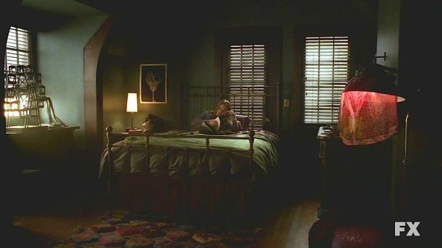 Violet's bedroom ahs | Decoration | American horror story ...