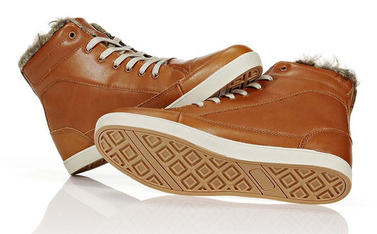 Tike leather fur boot. Vuorellinen nahkatennari, väreinä musta ja konjakki. 79,95 €. - Bianco Footwear
