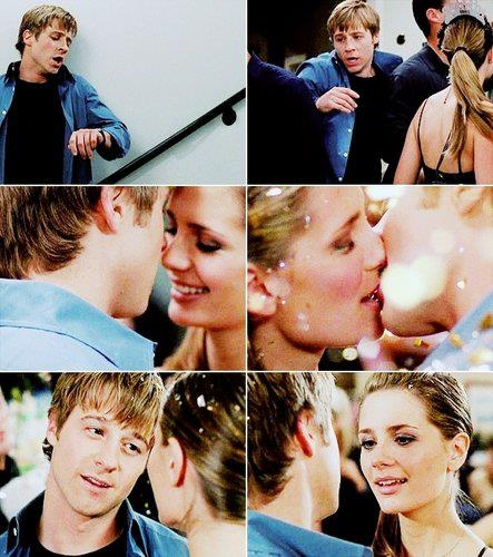 Loooooved this New Year's scene from The OC!!!!  Sorry bout ya, Oliver
