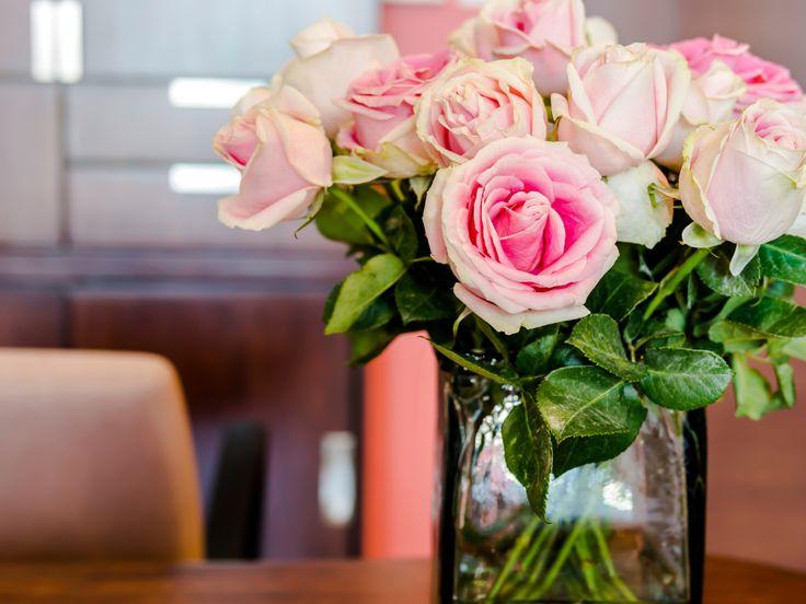 La scelta dei fiori giusti per decorare la casa con i fiori: i linguaggio dei fiori. Scoprilo subito!