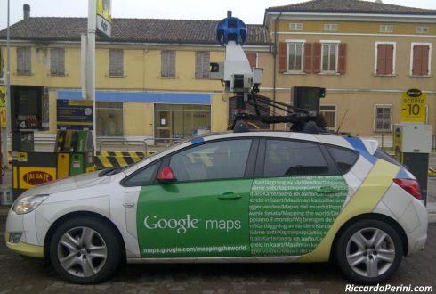 La Google Car a Mantova (26/10/2011).