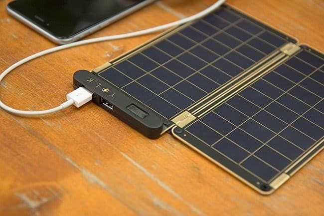 Solar Paper And Pouch Is Super Portable Looks Fantastic Fast Charging Time Expandable Using Magnets And Has Au Solar Energy Solar Energy Panels Solar Paper
