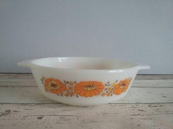 JAJ Pyrex Sunflower Small Casserole Dish // 1970s // Mid