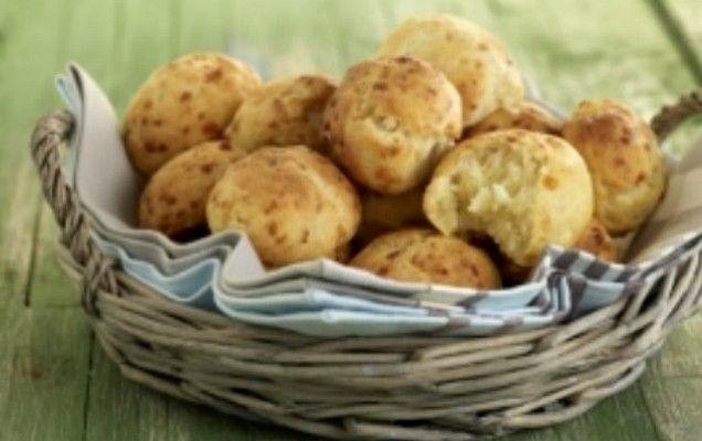 Τυροψωμάκια φούρνου με νωπή μαγιά - iCookGreek