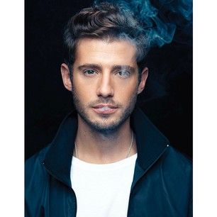 """When he made you be like, """"Yep, you know what, smoking IS very cool.""""   21 Reasons To Make Julian Morris Your New Bae"""