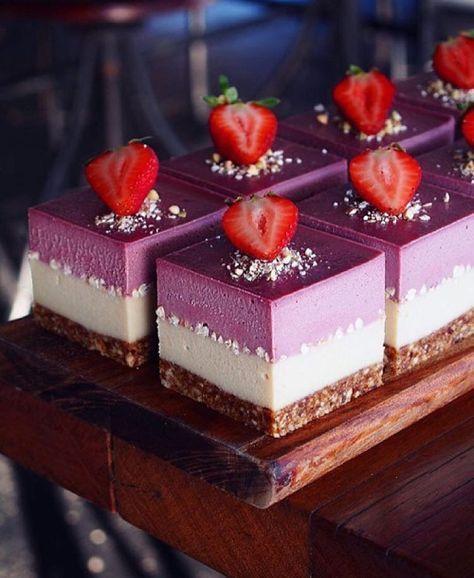 "chefsofinstagram: "" Stunning white chocolate & strawberry cheesecake. ✅ By -…"