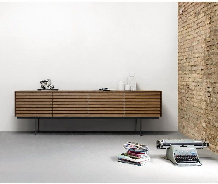 Punt Sussex Design Sideboard mit Fuesse B235 Super Matt Walnuss