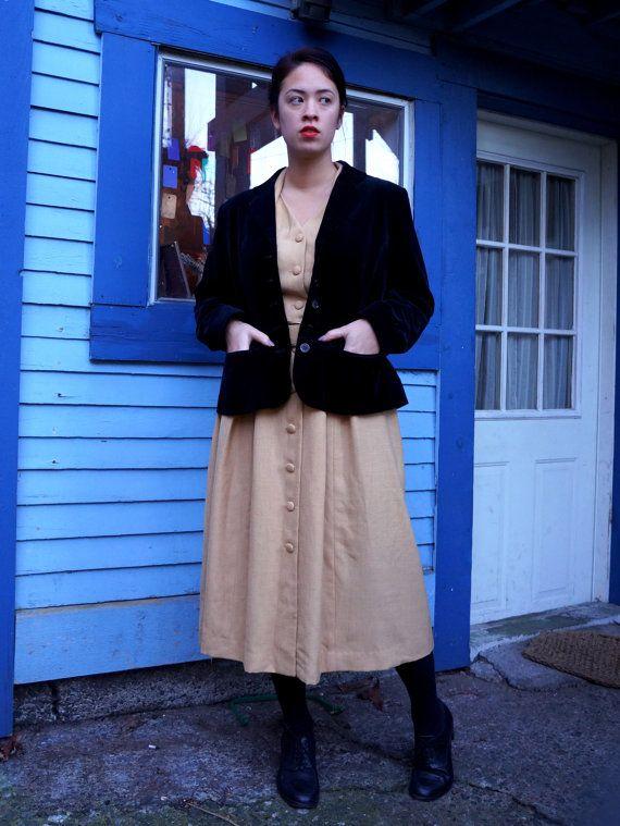 1990's Classic Black Velveteen Fitted Women's Blazer (M / Medium)