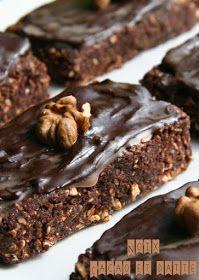 """Ou brownies crus                 """"En mode Recyclage""""     C'est une recette que vous aviez déjà peut-être vu passée sur mon blog, mais c'est..."""
