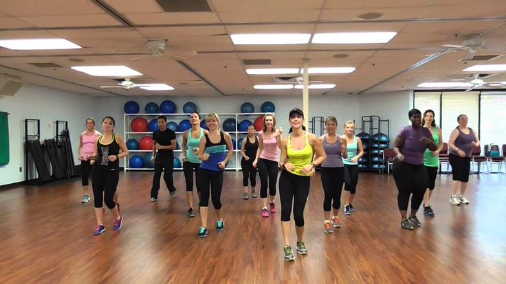 Starship song by Nicki Minaj. Choreo by Danielle. High Intensity cardio workout and Fun!