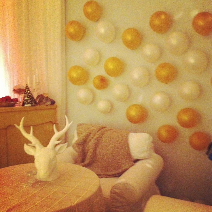 17 best images about new year 39 s eve 2014 on pinterest for Champagne balloon wall