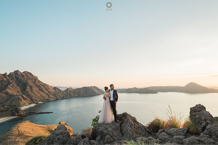 The sun is up the sky is blue It's beautiful & so are you. . Courtesy from @adhyanovic & @kartiniayu Prewedding Make up artist by @dininurdianimua Location Padar Island, Labuan Bajo Flores . . Photograph by @alvinfauzie Check our website for the other photos at www.alvinphotography.co.id