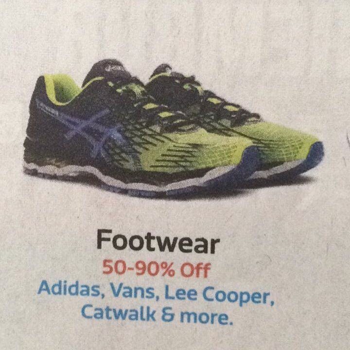 Today's promotion advertisement on FLIPKART they have showed an asics shoe in the picture and not used its name in the promotion.... interesting error or is it ......... #asics #asicsgel #flipkart #india #mumbai #committosomething #advertisement #advertising #advertise #error #wordoftheday #payattention #careful #ghostadvertisement #timesofindia #toi