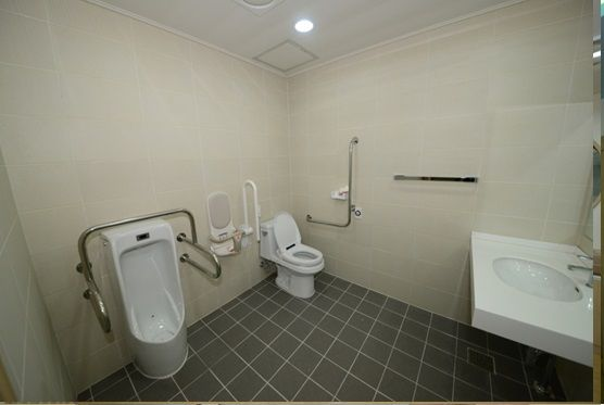구립새롬어린이집 장애인화장실