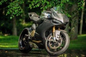 All-Carbon Ducati 1199 Panigale S #Ducati #moto #MotoBike #байк #мотоспорт #мотоцикл