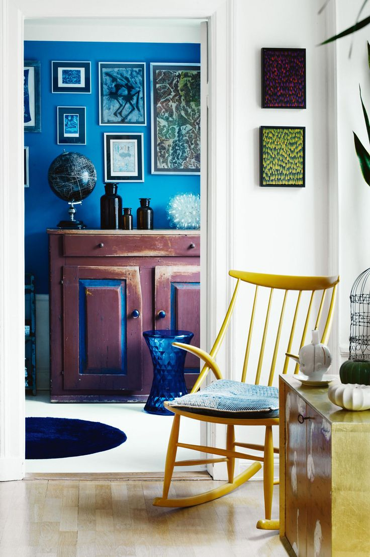 Home tour of a colour-rich apartment. Photography by Carl Dahlstedt. Styling by Myrica Bergqvist.