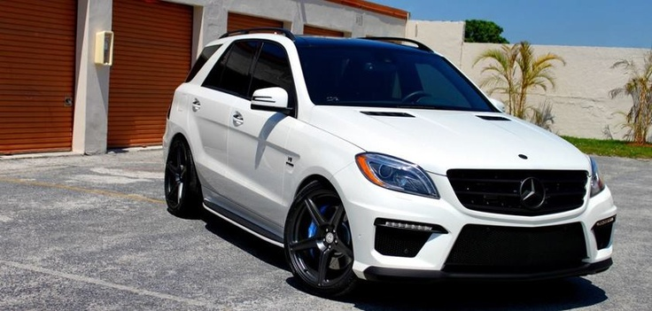 We think Wheels Boutique nailed the look on this Mercedes-Benz ML63 AMG with our TR45 wheels in Satin Black.