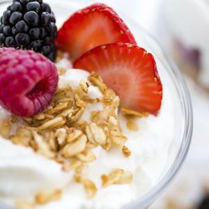 Proteine sind für den Körper unerlässlich. Sie kurbeln den Stoffwechsel an, sättigen zuverlässig und helfen dabei, Muskelmasse aufzubauen