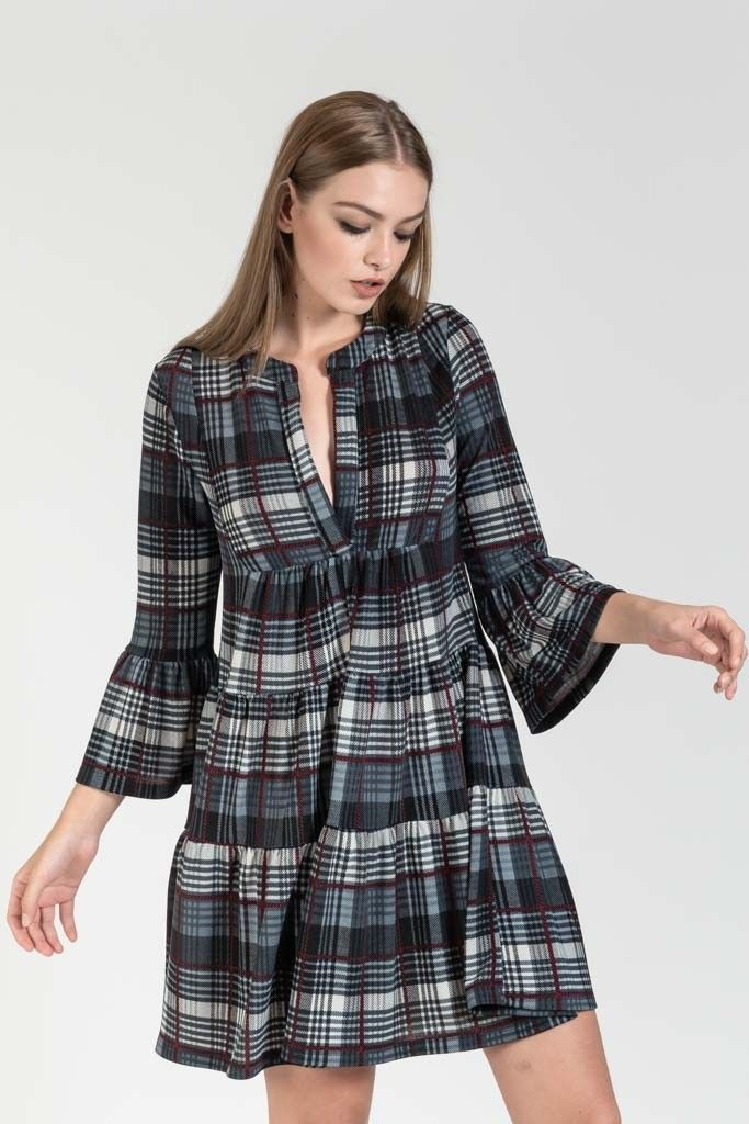 0f52b118fc93 Μινι καρο αερινο φορεμα με μανικια καμπανα