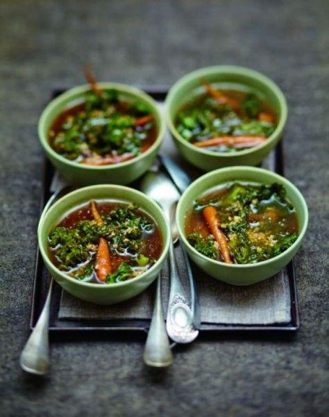 Soupe à l'orge et au kale pour 6 personnes - Recettes Elle à Table - Elle à Table