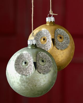 Save those apple bubble packs from Costco – they're just the right size to store your round Christmas tree ornaments!