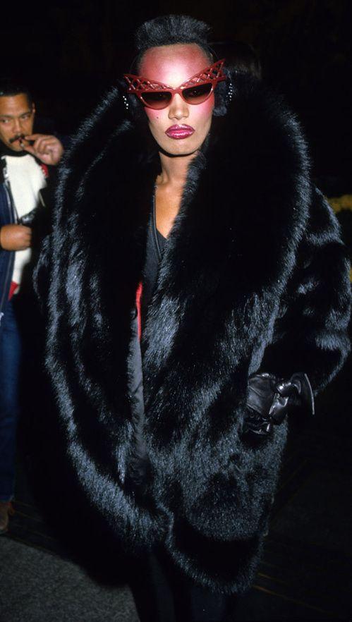 Grace Jones à New York en février 1983                                                                                                                                                     Plus