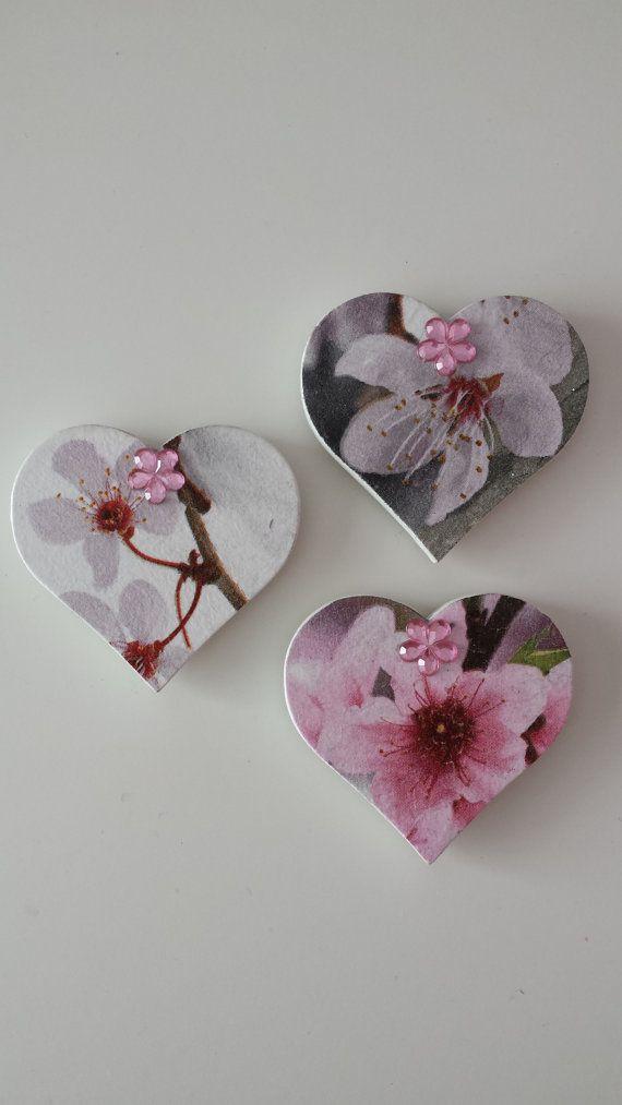 Set of 3 Handmade Heart Shaped Decoupage por WorldOfHandcraft