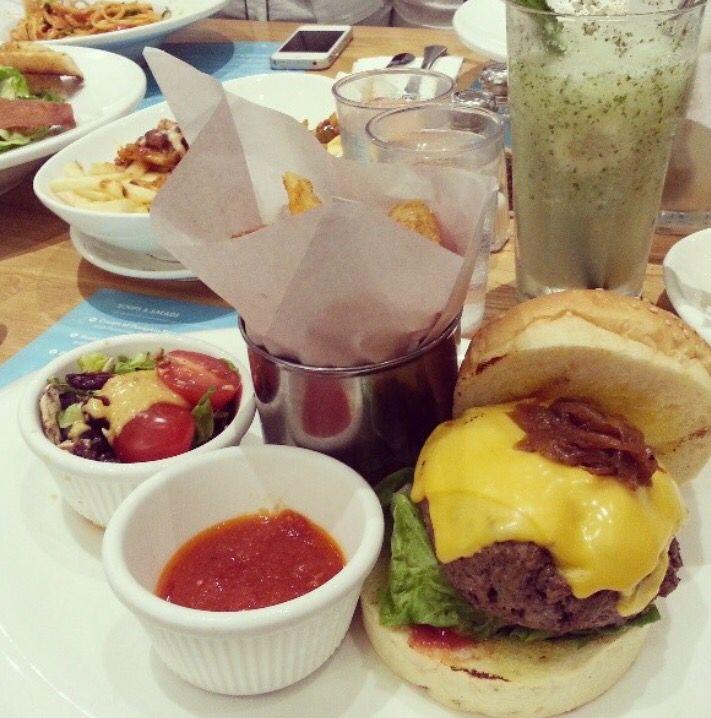 Double Cheeseburger @ Delicious