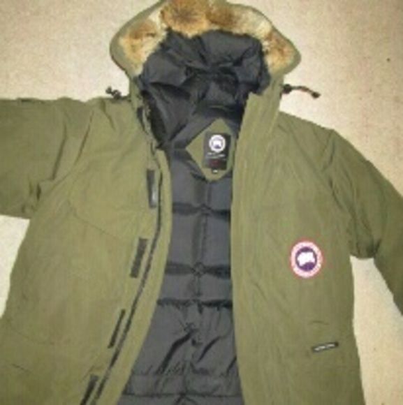 Original Canada Goose Expedition Loden colored 14 pockets. Goose Down Parka original Canada goose Jackets & Coats