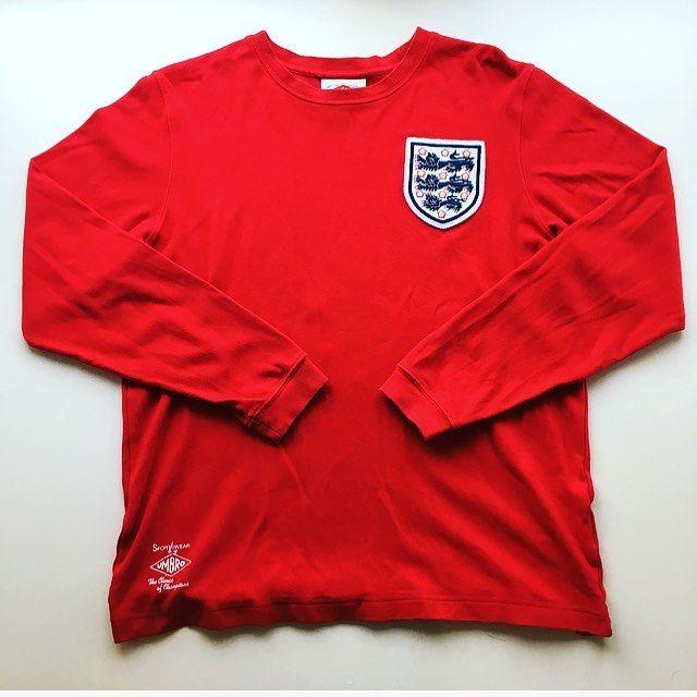England retro kit 1966. (Pinterest)