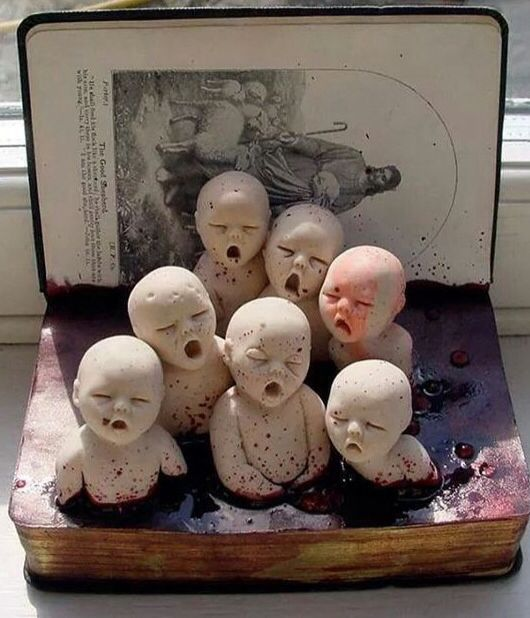 By Cunni Outsider art/ forgotten children