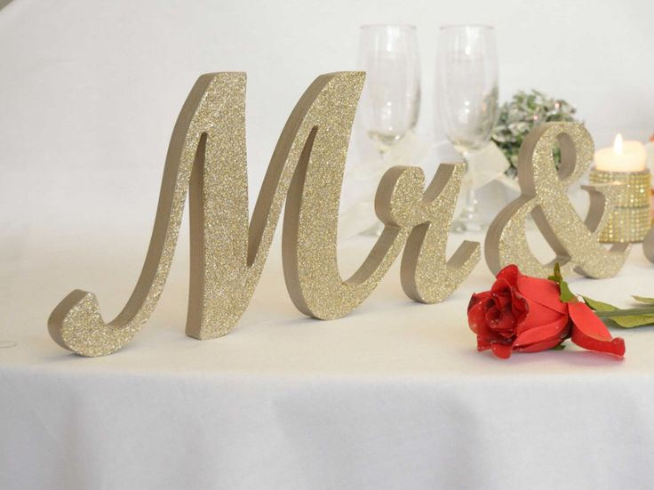 1000+ Ideas About Sweetheart Table Decor On Pinterest