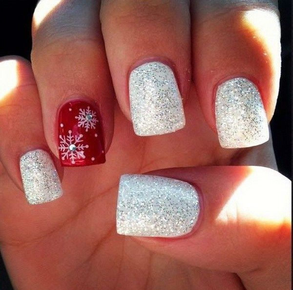 Glittery Red White Christmas Nails.