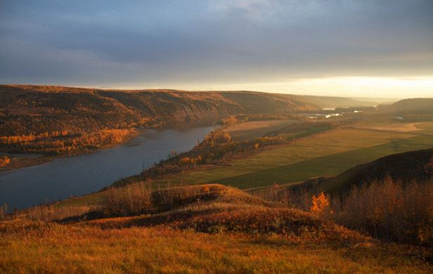 Peace Valley extraordinary farmland could feed million people-Site C Dam. The 2 people reviewing Hydro's suppositions sound 'Pro-No'! http://commonsensecanadian.ca/peace-valleys-extraordinary-agricultural-values-threatened-site-c-dam/