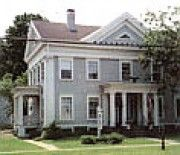 Candlelight Inn- Listed on the National Register of Historic Places, antique furnished c. 1828 Federal/Greek Revival home. 20 minutes from downtown Ithaca, NY.