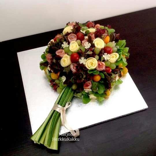 Bouquet repas de crudités, fromage et charcuterie | #recette #cuisine