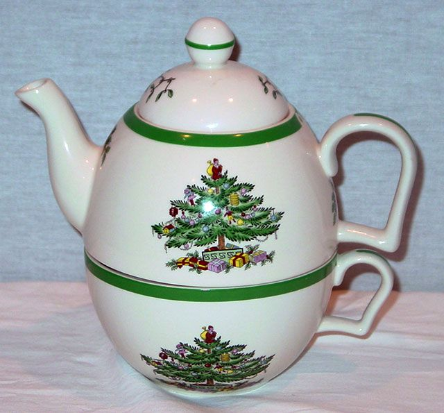 "Christmas Tree Teapot: Spode Christmas Tree Pattern Teapot & Cup Set ""tea For One"