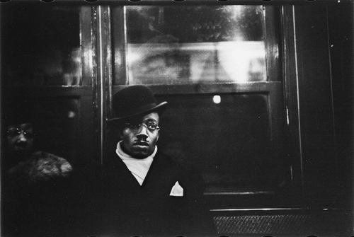 vintage everyday: Black & White Subway Photographs by Walker Evans (1938-1941)