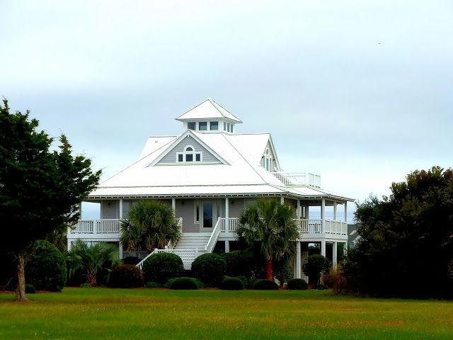 25 best north carolina images on pinterest beach homes for Southern coastal homes