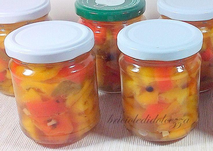 Conserva di Peperoni in Agrodolce. L'homemade impazza, oggi vi presento la mia gustosa conserva di peperoni in agrodolce fatti in casa, non è solo una mania
