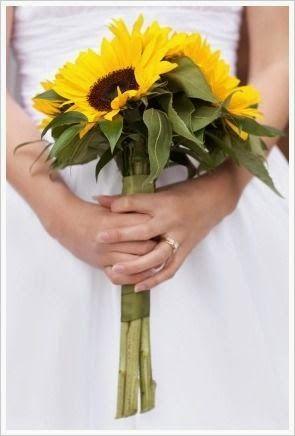 Sunflower Wedding Bouquets | http://simpleweddingstuff.blogspot.com/2014/04/sunflower-wedding-bouquets.html