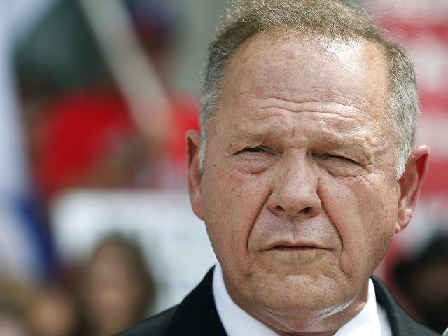 "AP Photo/Brynn Anderson   by Breitbart News21 Sep 20170 				21 Sep, 201721 Sep, 2017  Michael Scherer of the Washington Post profiles ""outsider"" candidate Judge Roy Moore, the frontrunner in Alabama's U.S. Senate primary runoff election, in an article published Thursday morning...."