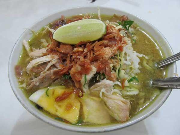 Bisa dikatakan bahwa resep soto adalah resep yang tersebar di seluruh pelosok negeri. Indonesia yang kaya akan rempah sangat mendukung pembuatan dan penyajian berbagai variasi soto di beberapa kota...