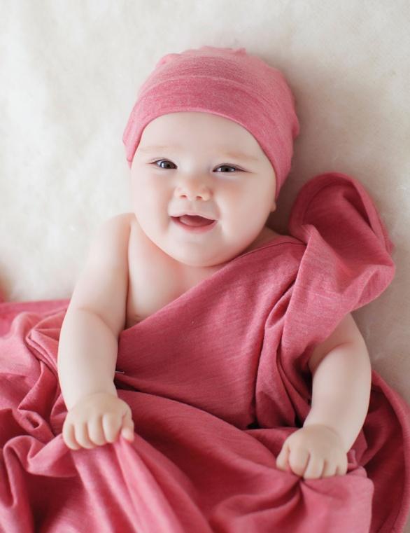 Merino Kids Blanket, Hat and Bootie Set - Raspberry