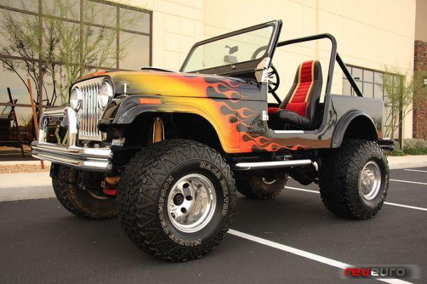 Jeep CJ7 Supercharged V8 Custom