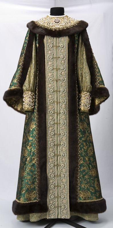 HISTORICAL GREEN & PRINTED DRESSES