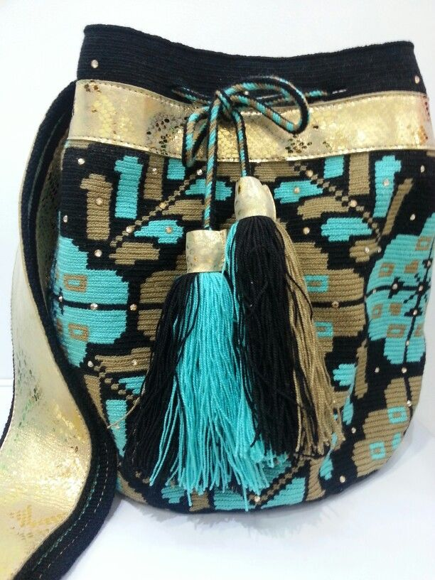 #mochila #swarovsky #wayuu #handmade #ethnic #leather #gold