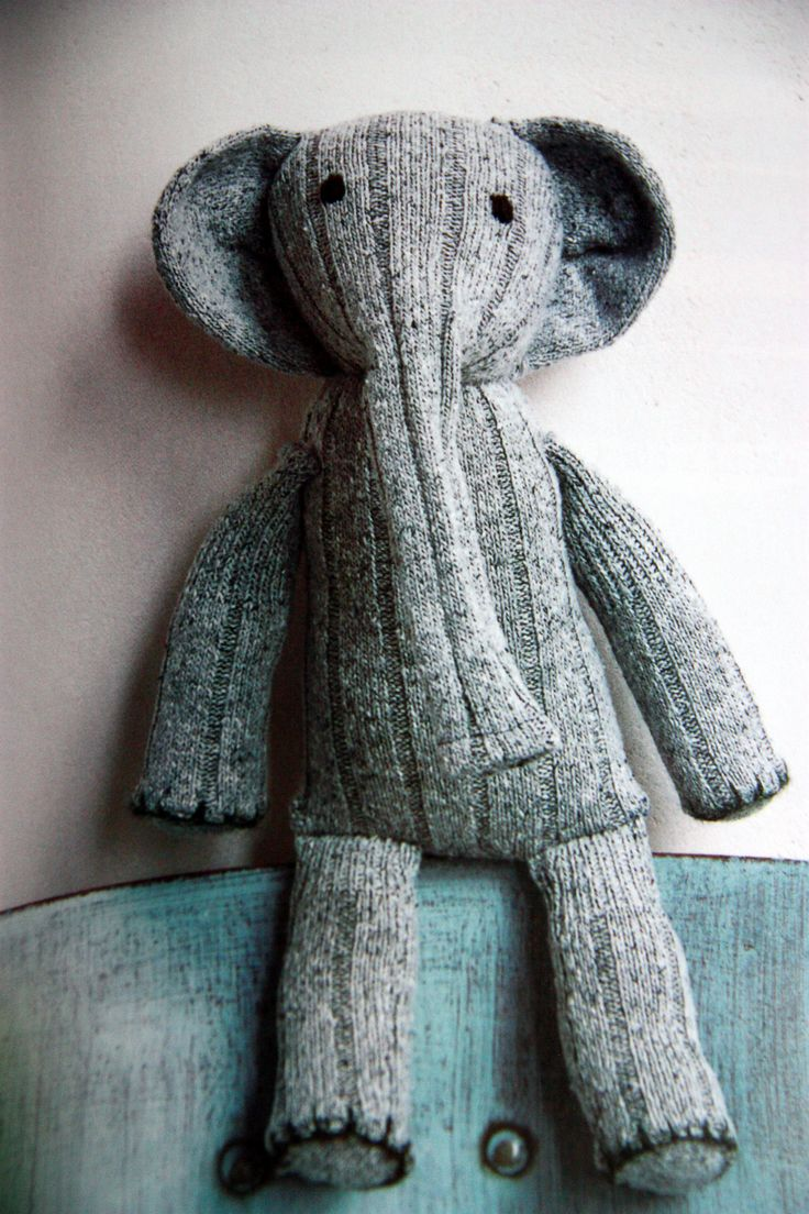 sock elephant - I love this This would be cool if lots of colourful socks were used, maybe with different patterns too!