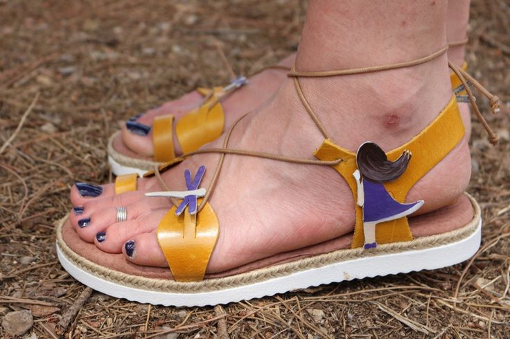 hand painted leather sandals by zoubeeyaya on Etsy
