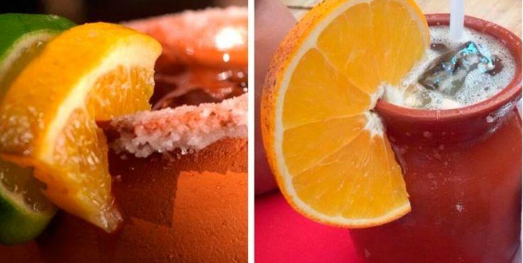 CANTARITOS estilo Guadalajara   • un cantarito de barro • 1 caballito de tequila blanco •1/4 taza jugo de naranja •1/4 taza jugo de toronja •Jugo de 1 limón •Refresco squirt (soda de toronja) al gusto • Sal para escarchar • hielo al gusto    escarchar el cantarito con limón y sal, agregar hielo, un poco de sal, tequila y ambos jugos, por último el refresco de toronja.